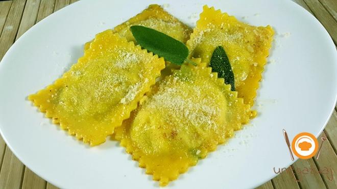 Ravioli me rikota dhe spinaq1